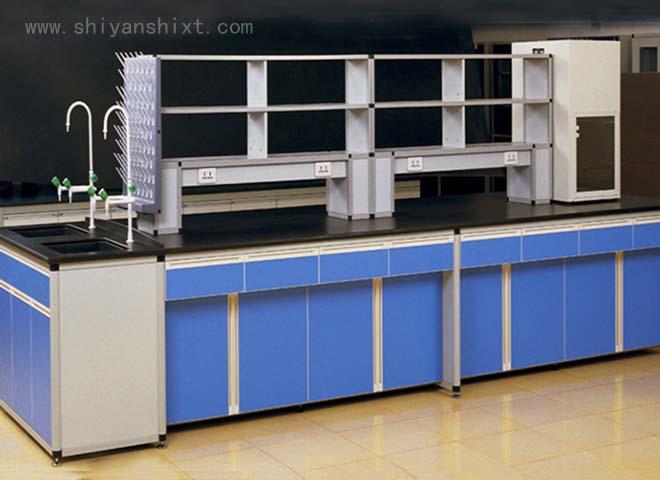 铝木实验台制作框架选用铝合金型材,表面环氧喷涂