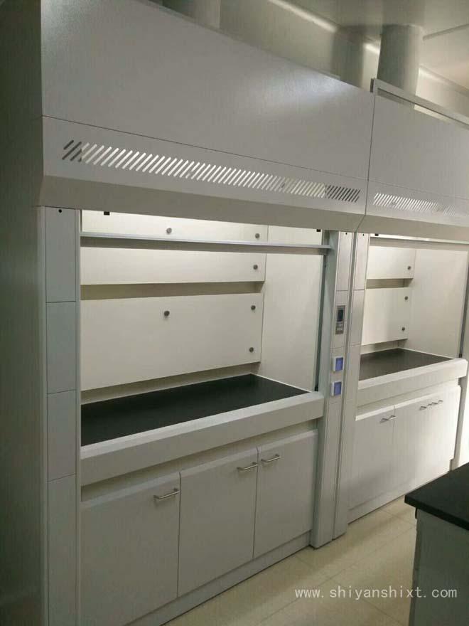 全钢通风柜整体采用冷轧钢板烤漆制作