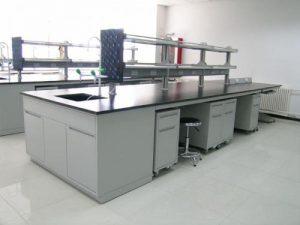 试验台是实验室中不可少的一部分设备