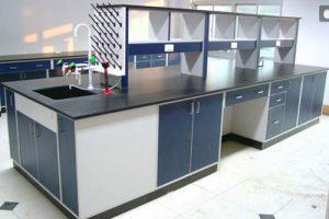 全木实验台主要的材质是三聚氰胺板加工组装而成